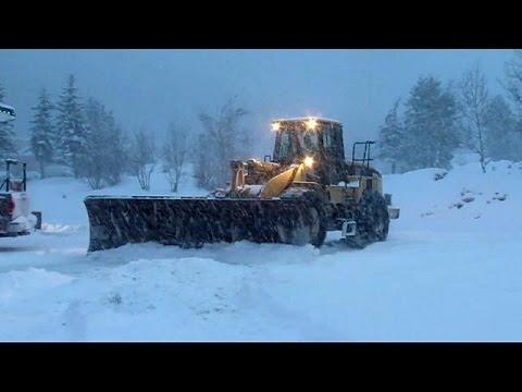 Χιόνια στις δυτικές ΗΠΑ, ανοιξιάτικος καιρός στη Ρωσία!