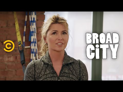 Exclusive - Behind Broad City - Twaining Day
