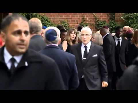 Amy Winehouse: Private funeral held Video
