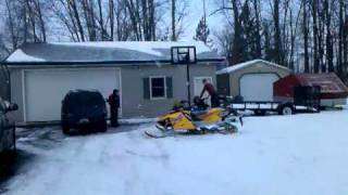 10. Indy Sport 340 Fan Jumps Snowpile At Pedulla Garage