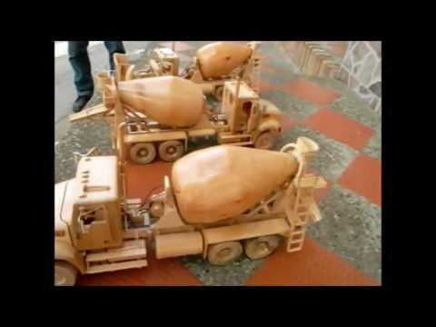 Camión de madera modelismo - TRACTOMULAS Y CAMIONES MEZCLADORES HECHOS 100% EN MADERA, MUY BIEN DETALLADAS. CANTIDAD DE TRACTOMULAS: 17 CAMIONES MEZCLADORES: 3 MAYOR INFORMACION: CELULAR...