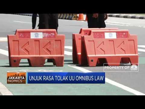 Desak Jokowi, Mahasiswa & Buruh Unjuk Rasa Tolak UU Omnibus Law