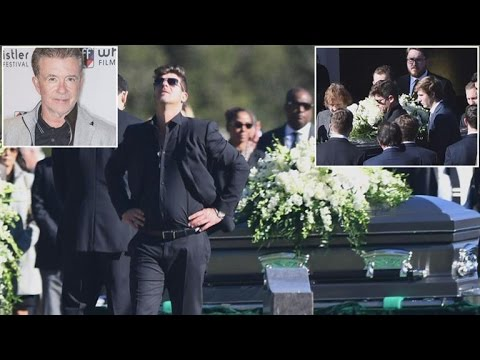 Robin Thicke Breaks Down At Father's Funeral Attended By Dad's Close Friends