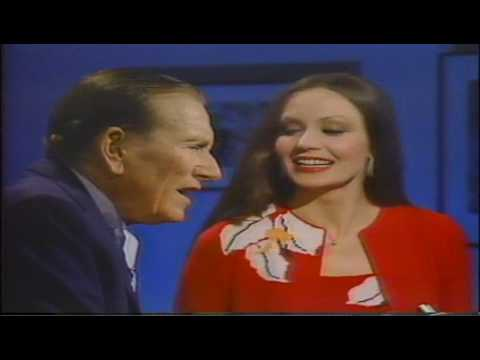 Tekst piosenki Crystal Gayle - In the Cool, Cool, Cool of the Evening po polsku