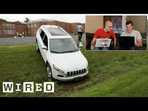Hackers Remotely Kill the Engine of a Jeep While It Drives Down the