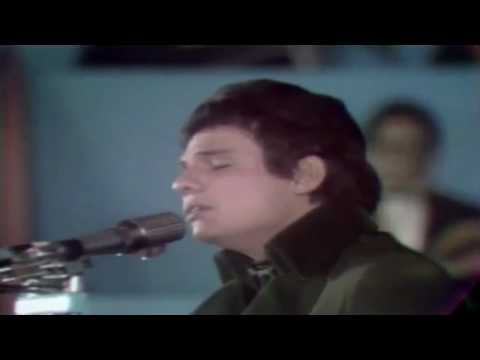 jose - José José's big break came on March 25, 1970, when he represented Mexico in an international song festival, the
