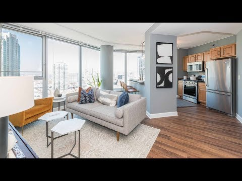 A 1-bedroom model steps from River North and the West Loop