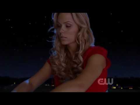 """Smallville Season 7 """"Bizarro""""  Kelly Clarkson -Sober"""