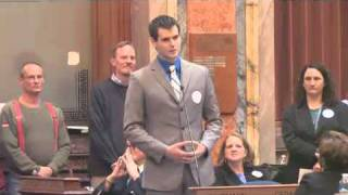Two Lesbians Raise A Son And This Is The outcome. Zach Wahls Speaks About Family.
