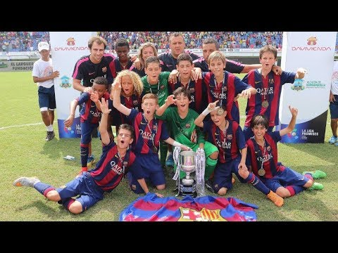FC Barcelona U13 La Masia - Pass and Move