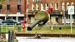 Nur 4° plus, aber herrlicher Sonnenschein und viele Wassersportler sind schon auf dem Delft unterwegs. Just 39.2 °F, but lovely...