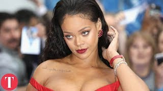Video 10 Grammy Red Carpet Dresses That Left The Crowd Speechless MP3, 3GP, MP4, WEBM, AVI, FLV Juli 2018