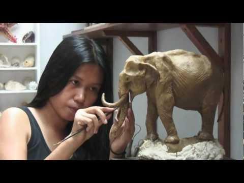 'Oom Chakawan' Thai Elephant Sculpture (English/short version)