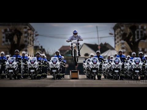 Vídeos de '(VIDEO) ¡Menuda sincronización en moto de la Policía Francesa!'