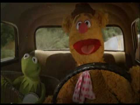 Moving - Kermit the Frog and Fozzie Bear singing while driving in the 