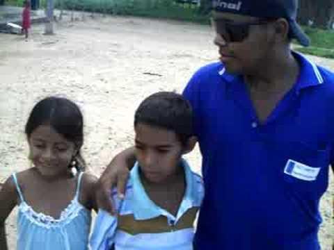 Presidente da R_F_M  visita colegio em Aroeiras.
