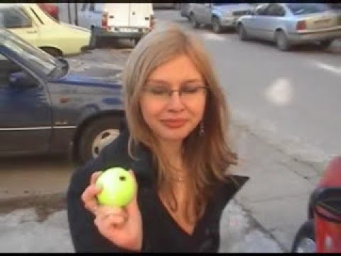 How to unlock a car door with a tennis ball [video]