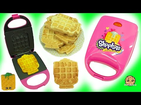 Does It Work ? - Shopkins Waffle Sue Maker Iron Making Breakfast For American Girl Doll (видео)