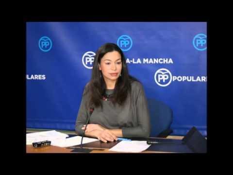 Claudia Alonso- los diputados de PODEMOS se arrodillados ante Page