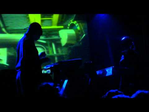 back to bionic 0 DOPPLEREFFEKT   LIVE Video [10/10/10]