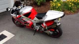 6. 2004 Honda RC51 RVT 1000 Nicky Hayden Sato Exhaust Low Mounts