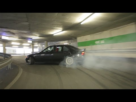 Drifting en el parking