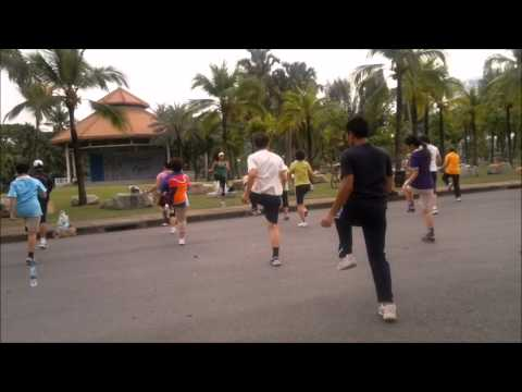 Wut WoodLee Lumpini Park Exercise Dance –  January 2012