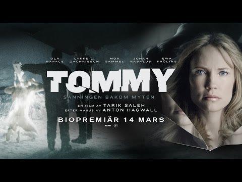 tommy - Köp biobiljetter här! http://www.sf.se/filmer/Tommy/?P=Forestallningslista En vecka före jul landar Estelle Svensson på Arlanda. För ett år sen flydde hon ha...