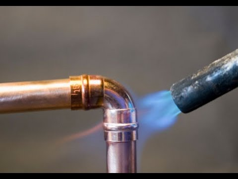 How to prepare and solder copper pipes and fittings.