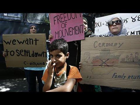 Πορεία Σύρων πρσφύγων στη γερμανική πρεσβεία στην Αθήνα