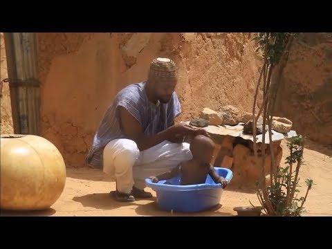 Matar Adam A Zango ta watsar da shi don kula da sabon jariri - Nigerian Hausa Movies