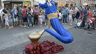 Video Genie Magic Lamp Levitation |  Street Performer MP3, 3GP, MP4, WEBM, AVI, FLV Januari 2019