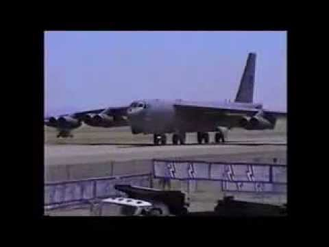 Video B-52 Stratofortress: 185 feet of wing, only 75 feet of taxiway download in MP3, 3GP, MP4, WEBM, AVI, FLV January 2017