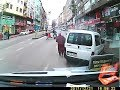 Küçük kıza çarpıp kaçan motorcu (Sizden gelenler)