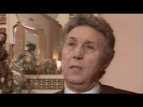 وفاة احمد بن بلة أول رئيس للجزائر بعد الاستقلال - فيديو