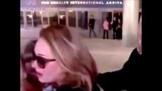 ADELE ARRIVES WITH HER SON TO L.A. / ADELE LLEGA A LOS ANGELES CON SU HIJO 3-1-15 (SUBTITULADO)