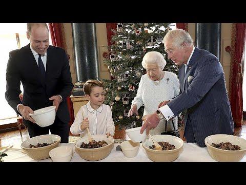 Φτιάχνοντας πουτίγκα με την βασίλισσα Ελισάβετ και τον πρίγκιπα Τζορτζ…