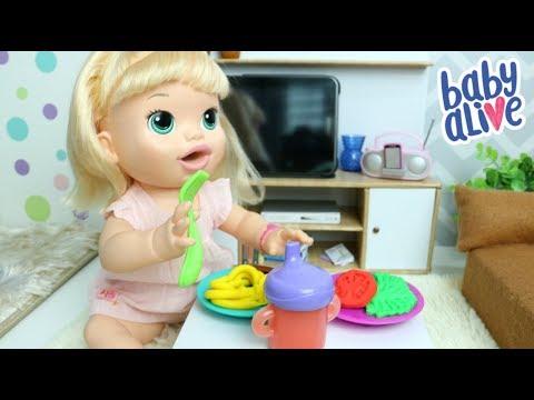 Play doh - BABY ALIVE SARA COMILONA COMENDO ALMOCINHO DE MASSINHA PLAY-DOH