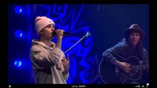 Nonton Justin Bieber performing ''Christmas Eve