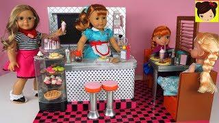 Jugamos con el juego de cocina restaurante OG retro diner. un juguetes estilo de los 50s. Incluye mucha comida miniatura para muñecas, postres como cupcakes, tortas y helados, refrescos y mucho mas. Jugamos que servimos la comida a los clientes luego les cobramos y limpiamos el restaurante usando nuestra imaginacion. Les enseño mi coleccion favorita de Munecas American Girl. Juegos de cocina  son preferido entre todos los niños porque pueden actuar  y usar su imaginacion y aprender jugando.Juguetes del VideoOur Generation Retro Dinner Kitchen ToyAmerican Girl Muñeca Mary EllenMuñeca Frozen Elsa NiñaMuñeca Anna de FrozenCarro de Muñecas ConvertibleSupermercado de Juguete con Barbie y Muñecas American Girl - Los Juguetes de Titihttps://youtu.be/C0hDuFWKNTMRutina de Mañana Para La Escuela  con Muñeca American Girl - Historias Juguetes de Titihttps://youtu.be/ZbYuAMyJkZwMi Primera Muñeca American Girl y Decoramos Su Nuevo Cuarto - Juguetes de titihttps://youtu.be/Akm-VSuERzEMuñeca Baby Alive Sorpresas Brillantes - Accesorios y Ropa para la Muñeca Bebehttps://www.youtube.com/watch?v=dxNuvc3EPbULas Bebes se Disfrazan Tienen una Fiesta con Piñata - Muñecas Baby Alive y Escritorio https://www.youtube.com/watch?v=AD69xOarsrA