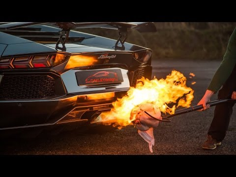 Lamborghini Aventador Cooking the Christmas Turkey