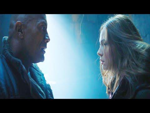 Jumanji The Next Level Spencer & Martha kissing scene in Hindi