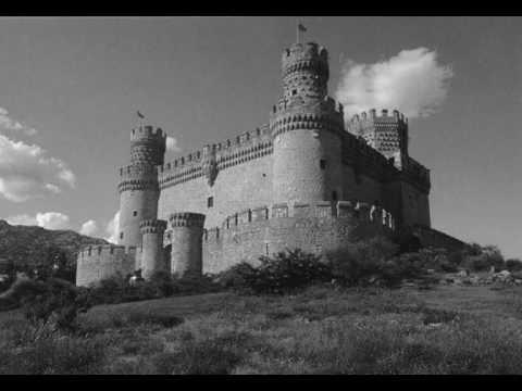 請持續緊盯著影片中這座黑色城堡中間的黑點看, 少數的人就能在0.42就看見彩色城堡!
