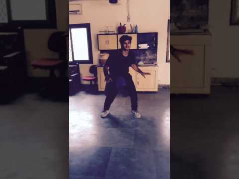 Video Awesome dance on Zara zara mehekta hai... ... download in MP3, 3GP, MP4, WEBM, AVI, FLV January 2017