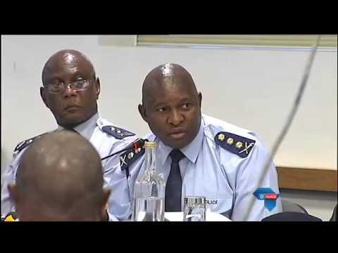 Polisie geroskam oor vuurwapen / Opposition parties slam police over firearms