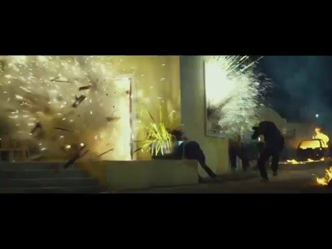 13 Hours: The Secret Soldiers of Benghazi (UK TV Spot 'Surrounded')