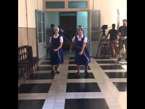 Lali Esposito divirtiéndose en las grabaciones de Esperanza Mia