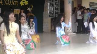 Múa Nón Lá Lop 9a1 THCS Thi Tran Can Duoc 2013-2014