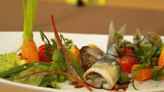 Marinierte Sardinen an Herzmuscheln und Gemüsesalat