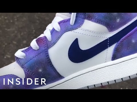 Artist Turns Popular Sneakers Into One-Of-A-Kind Kicks (видео)